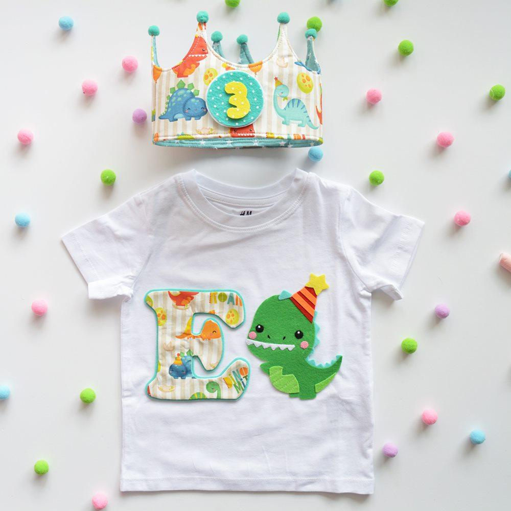 Un Cumpleaños de Dinosaurios!